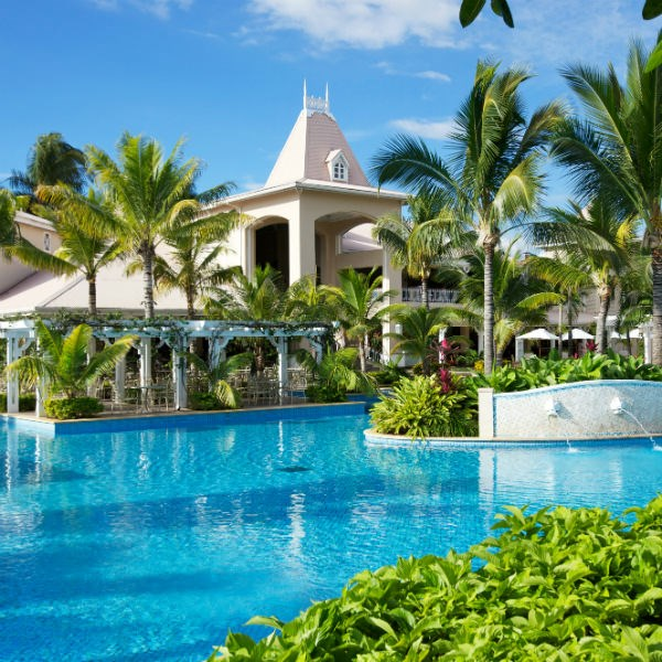 Christmas Travel Package Deals: Mauritius Resorts & Vacation Packages 2018-2019